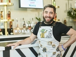 Briton has competition in a flap at cocktail event in Mexico