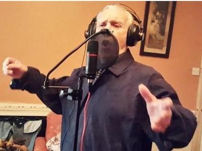 Wednesbury sing-along sensation Teddy Mac back with new album