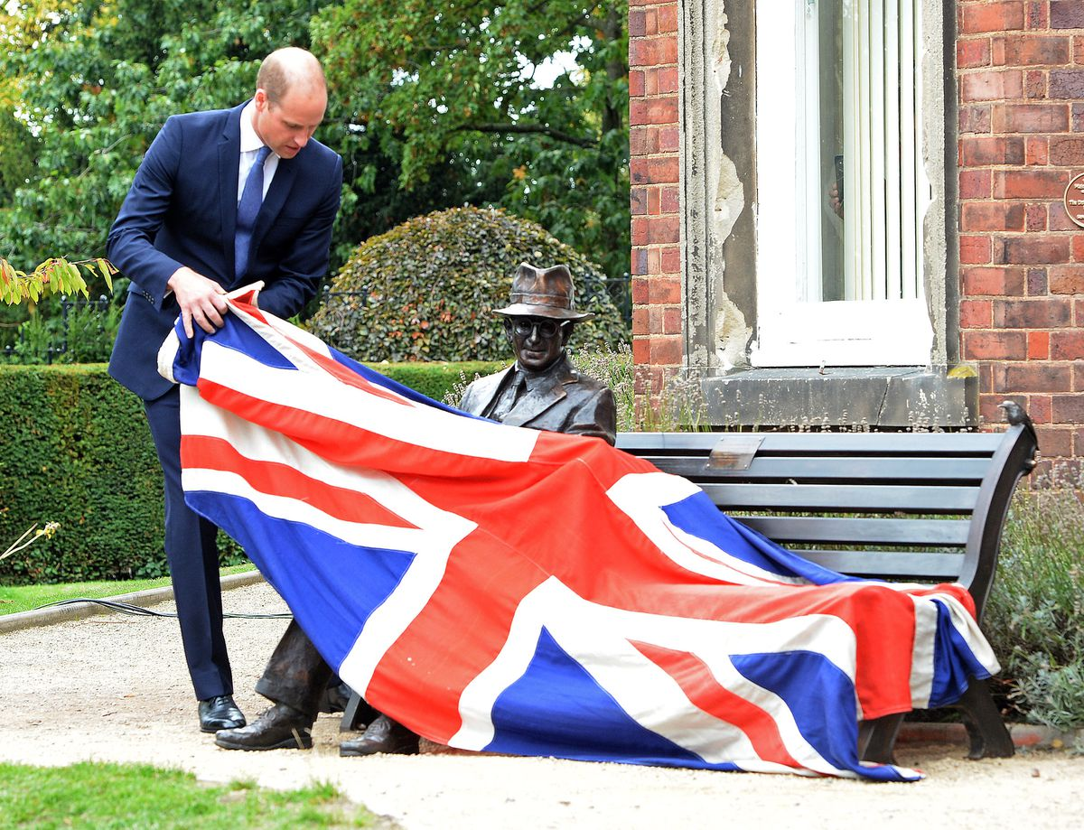 Prince William unveils the Frank Foley statue