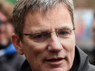 Sacked police boss will keep his pension