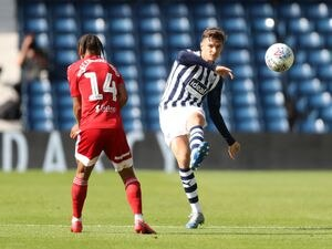 Bobby Decordova-Reid of Fulham and Conor Townsend of West Bromwich Albion. (AMA)