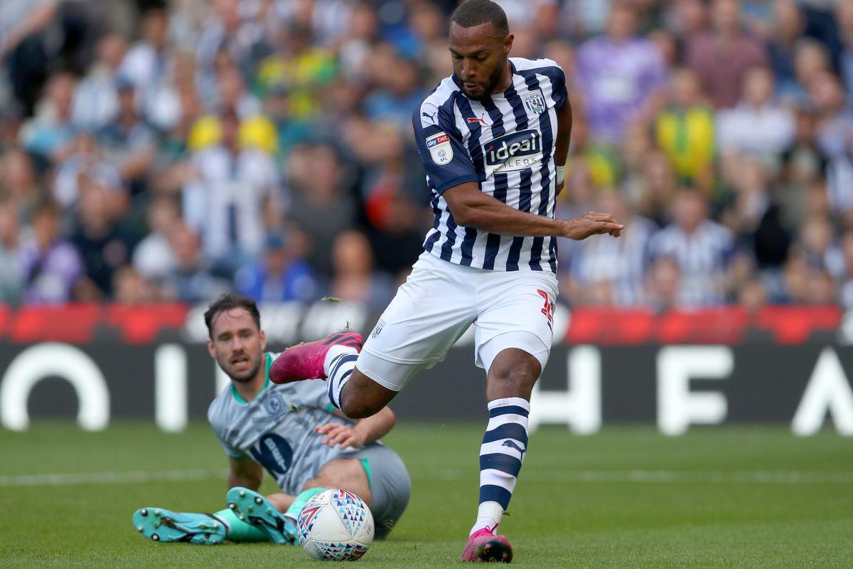 Matt Phillips of West Bromwich Albion scores a goal to make it 1-1. (AMA)