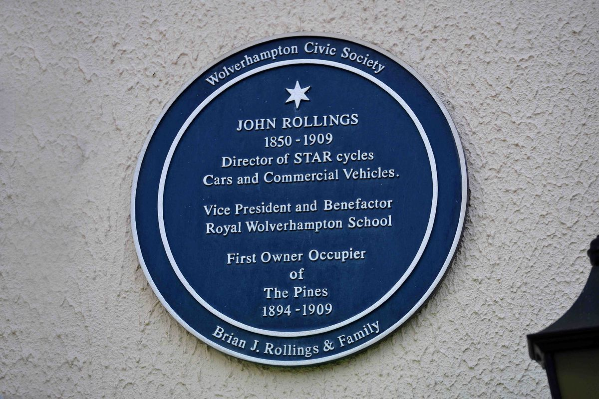 A blue plaque at the hotel commemorates the life of John Rollings
