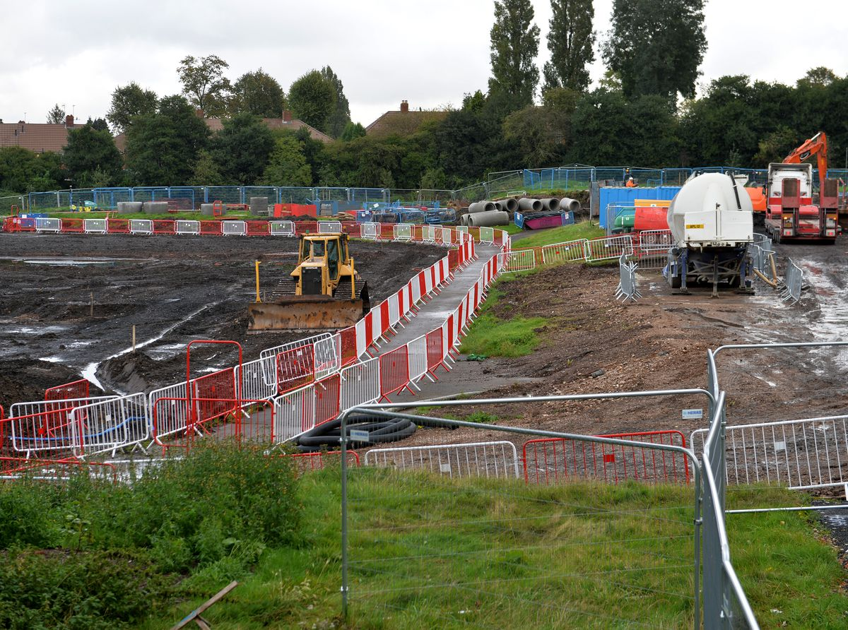 SANDWELL  COPYRIGHT TIM STURGESS Express & Star ......... 01/10/19  Work to clear the site for the Sandwell Aquatics Centre has been going on since June. Londonderry Lane, Smethwick ..