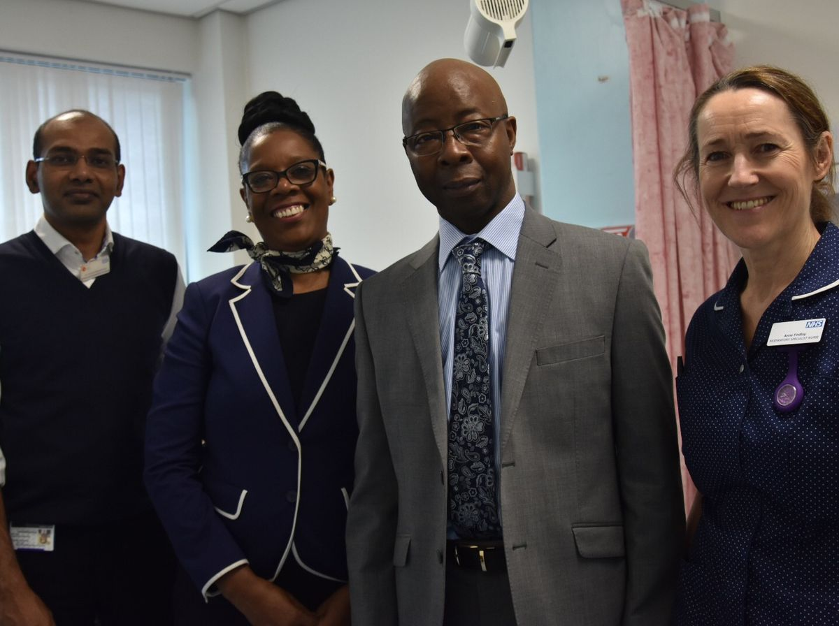 Michael Willis, his wife and members of the hospital respiratory team