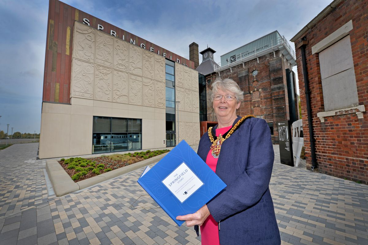 The Mayor of Wolverhampton, Wolverhampton University graduate Councillor Claire Darke, officially opened the new building
