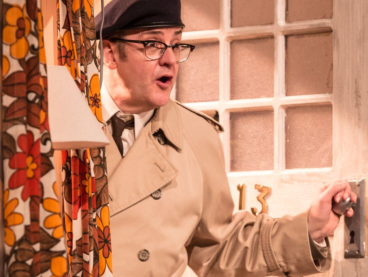Joe Pasquale as Frank Spencer in Some Mothers Do 'Av 'Em. Photo by: Scott Rylander