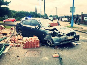 The car after it crashed. Photo: @Trafficwmp