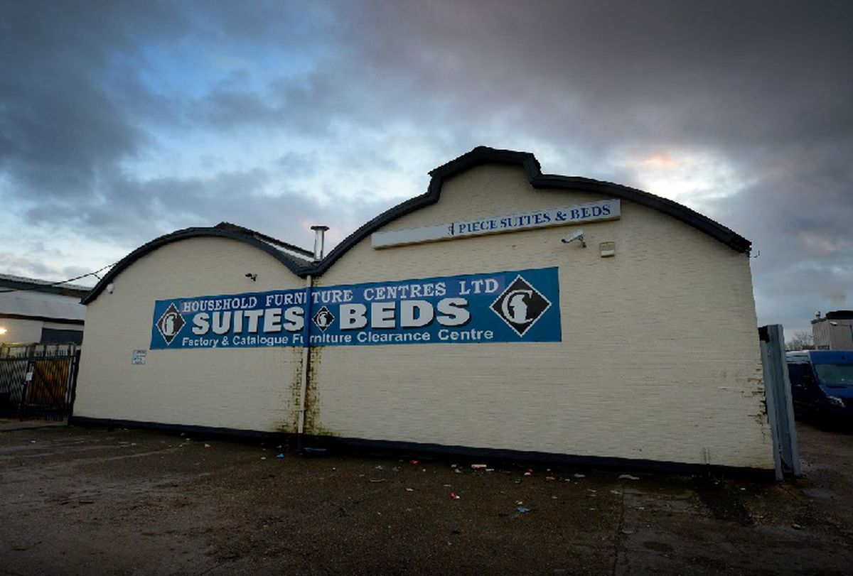 Suites and Beds, in Park Lane, Fallings Park