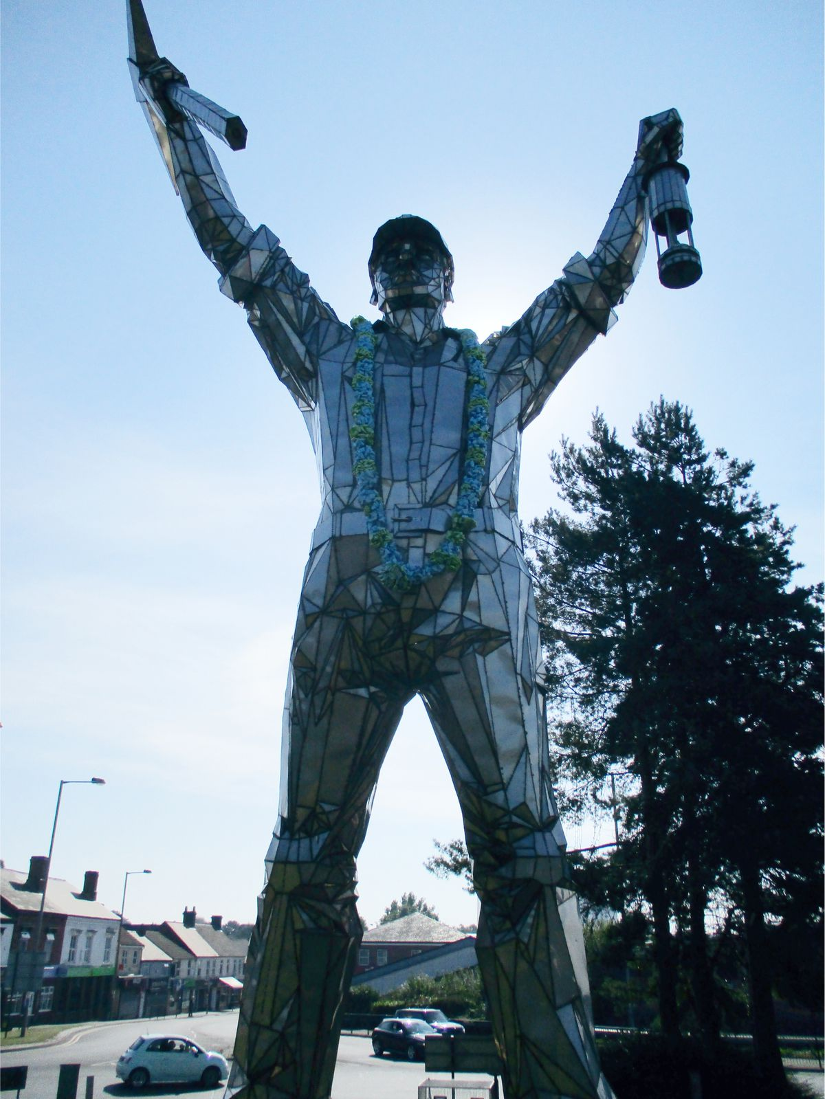 """The 'Jigger' statue on the Brownhills traffic island that has been declared """"UK Roundabout of the Year""""."""