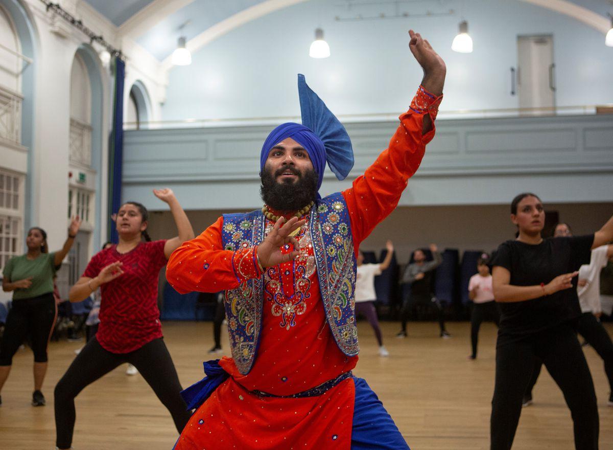 Baljodh Singh, at his Bhangra dance class at Holly Lodge High School in Smethwick.  Photo Tom Pilston