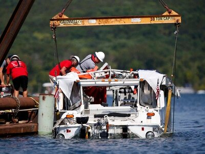 Tourist boat involved in Missouri tragedy raised from lake