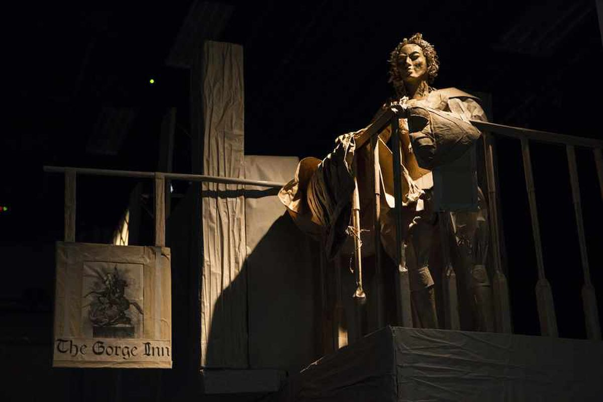Shakespeare at 400: WATCH incredible life-size paper tribute take shape