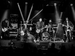 Birmingham unsigned band The Carousels squeeze in Black Grape support slot