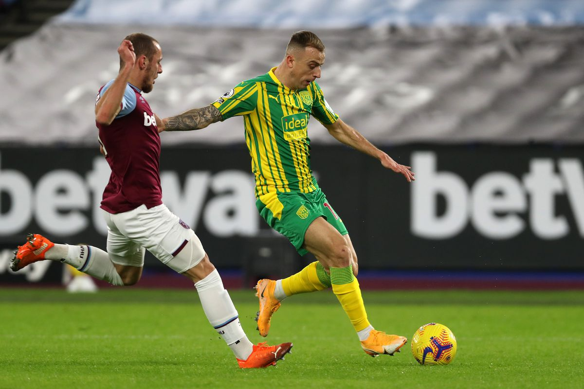Vladimir Coufal of West Ham United and Kamil Grosicki of West Bromwich Albion. (AMA)