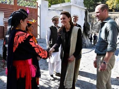 William and Kate meet flood survivors in Pakistan community