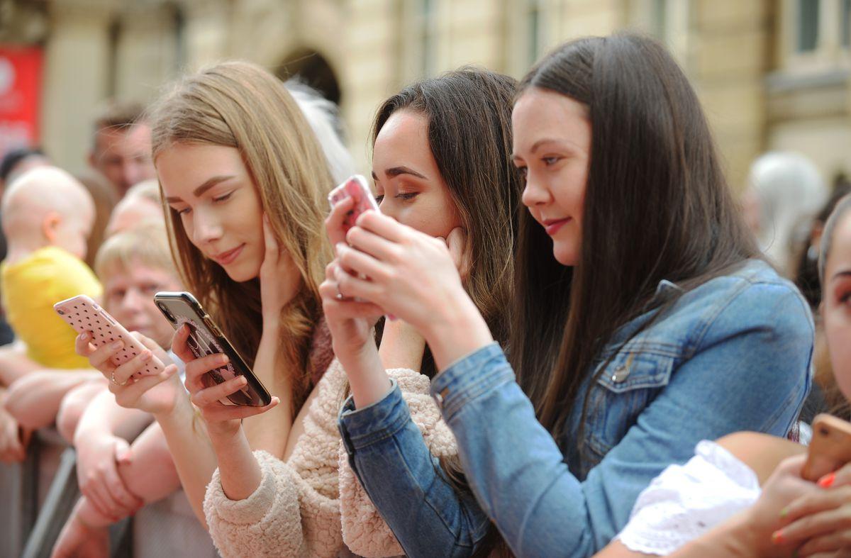 Peaky Blinders premiere, Birmingham Town Hall, fans