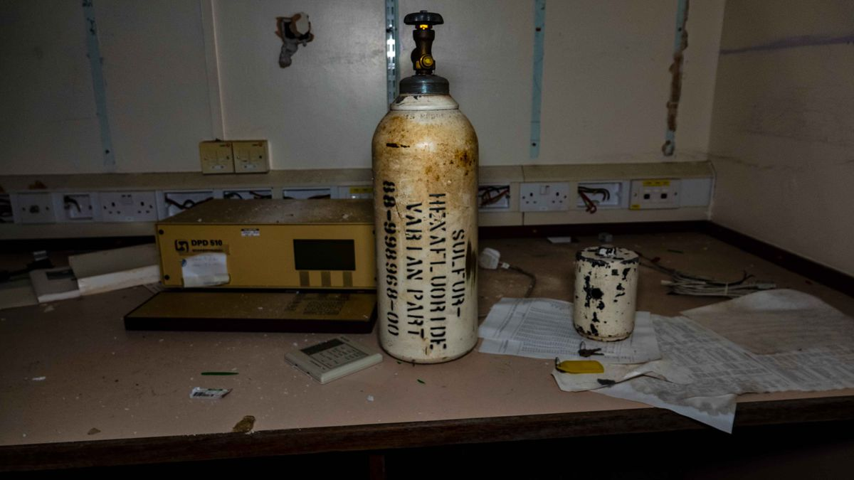 An urban explorer has visited the hospital abandoned for six years with functioning power, operating theatre and more