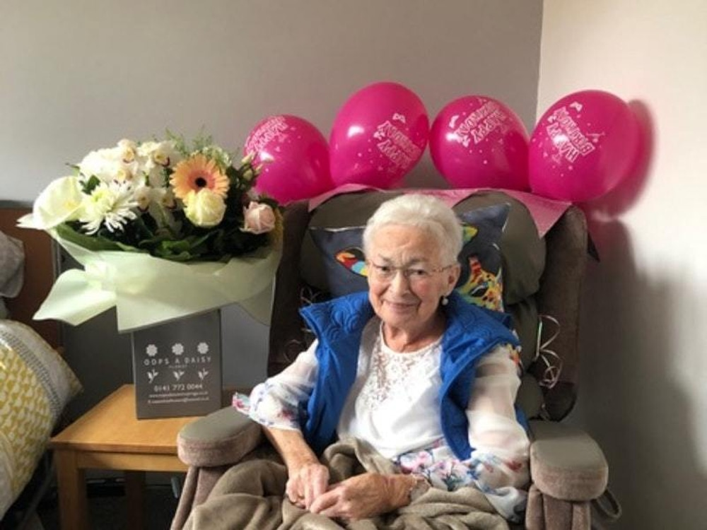 Great-grandmother with terminal cancer celebrates 81st after ...