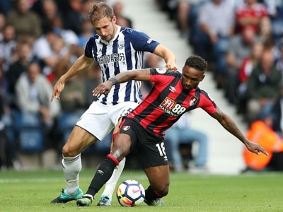 Craig Dawson signs new deal at West Brom