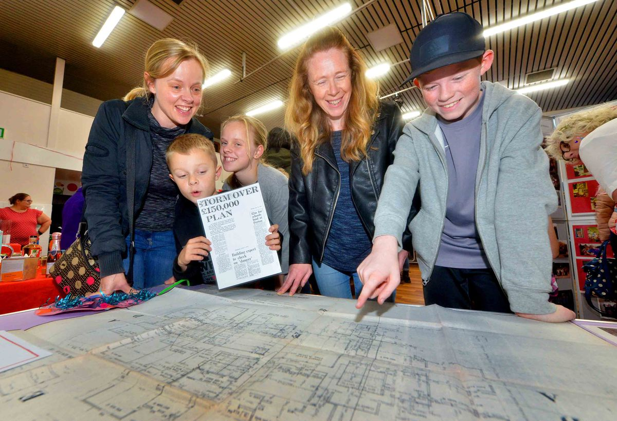 Looking at Plans is Sarah Cocaine (former surname), and her children: Jake 8 and Holly 10 Fountain, and Helga Krumstets with son: Finlay Moore 13