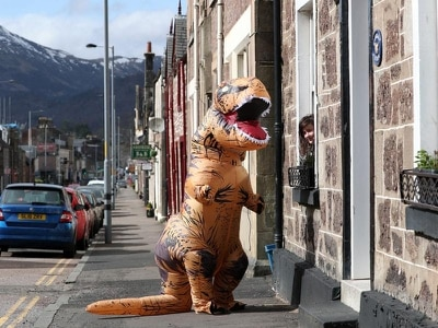 Dinosaur roams the Earth once again to delight of town's residents