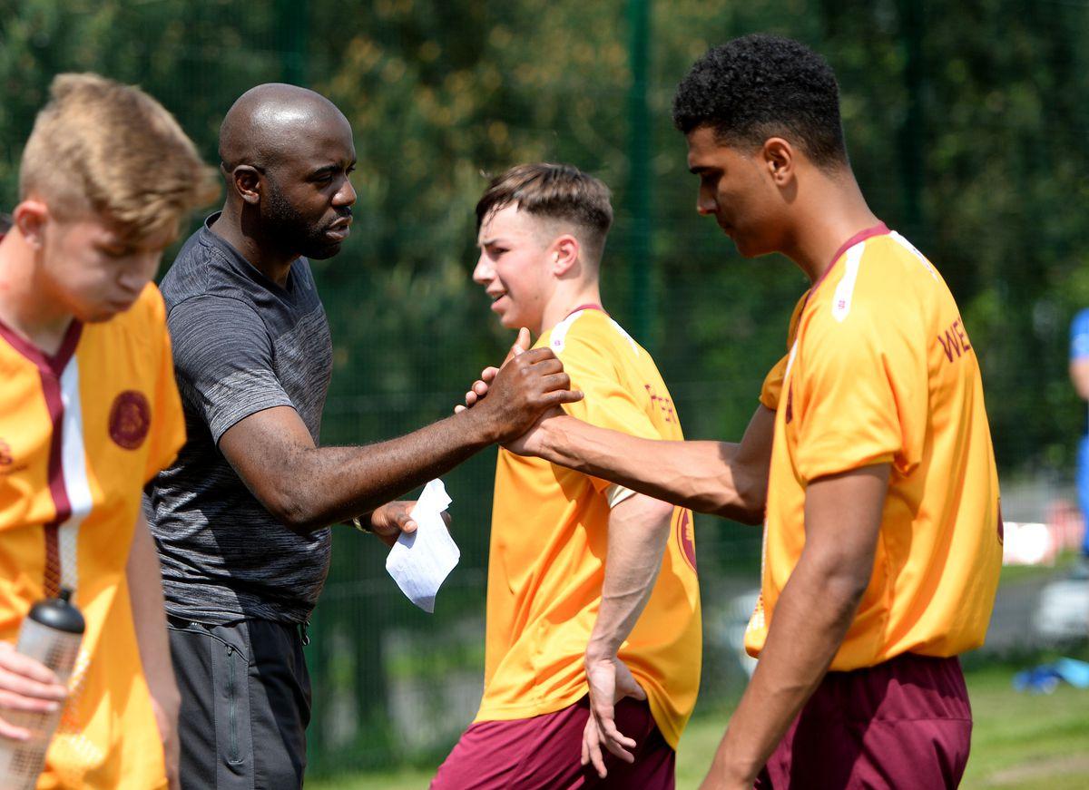 Fabrice Muamba managing the team at Thomas Telford School.