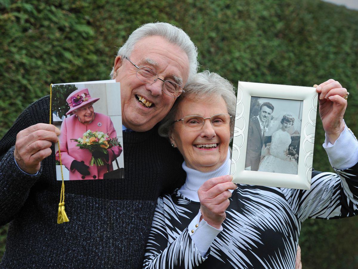 WOLVERHAMPTON PIC / DAVID HAMILTON PIC / EXPRESS AND STAR PIC 4/3/21 Celebrating their diamond wedding anniversary Don Price and his wife Sheila Price, of Bilbrook, Wolverhampton..