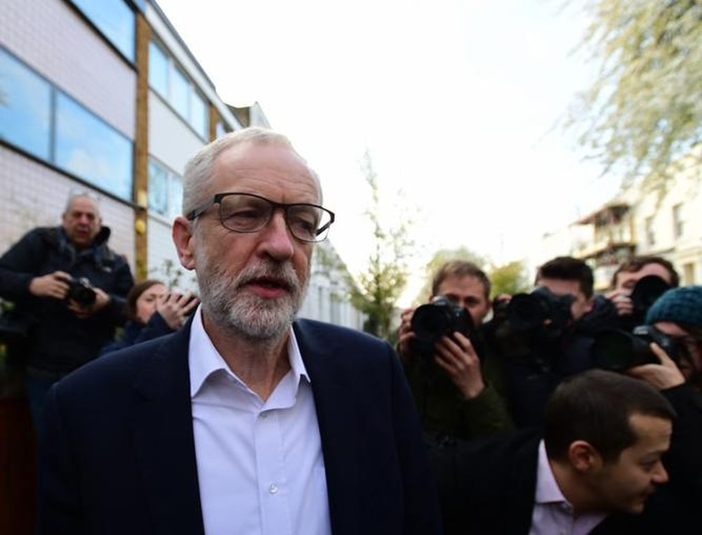 British troops criticised for Corbyn