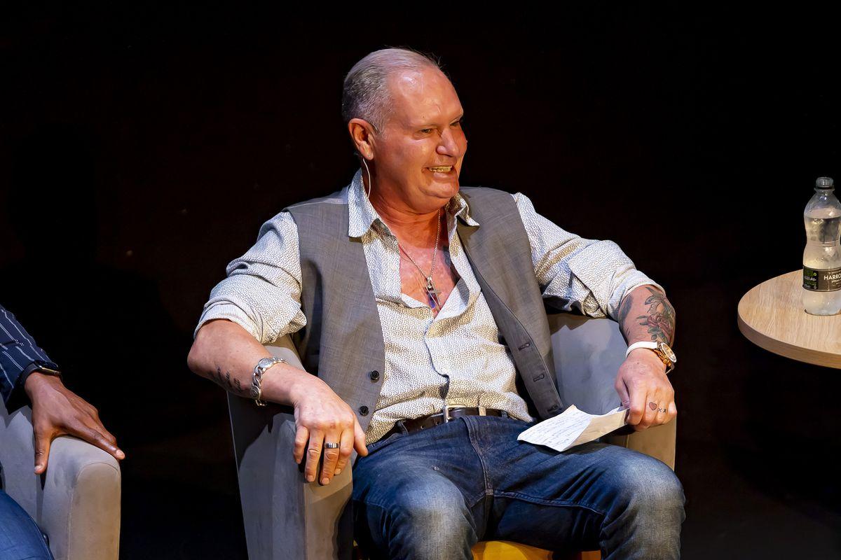 Paul Gascoigne era in gran forma durante lo spettacolo.  Nella foto: Jonathan Hipkis