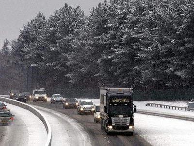 Snow brings threat of rush-hour travel disruption