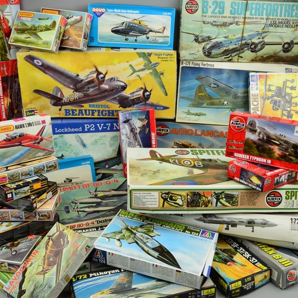 2,000 model aircraft kits that never launched going under