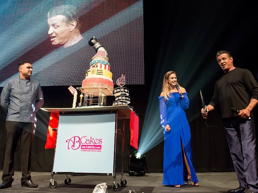 Wolverhampton baker creates knockout cake for Sly Stallone - PICTURES