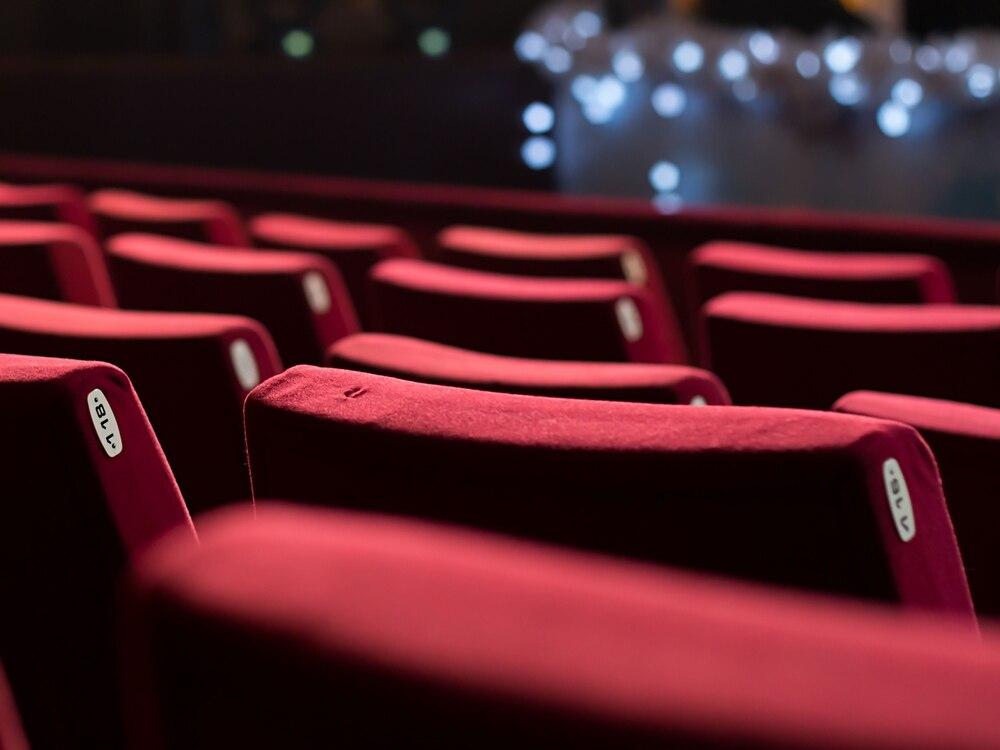 Theatre group perform whodunit thriller