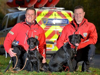 Poppy and Ted set tails wagging by joining West Mercia Search & Rescue team - with video