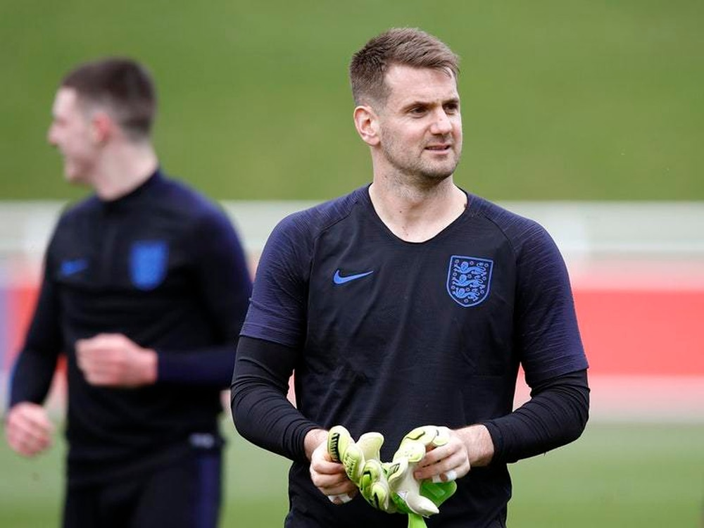 277c1c14a Tom Heaton determined to oust  outstanding  England keeper Jordan ...
