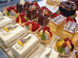 Patisserie Valerie 'determined' to sort late payments