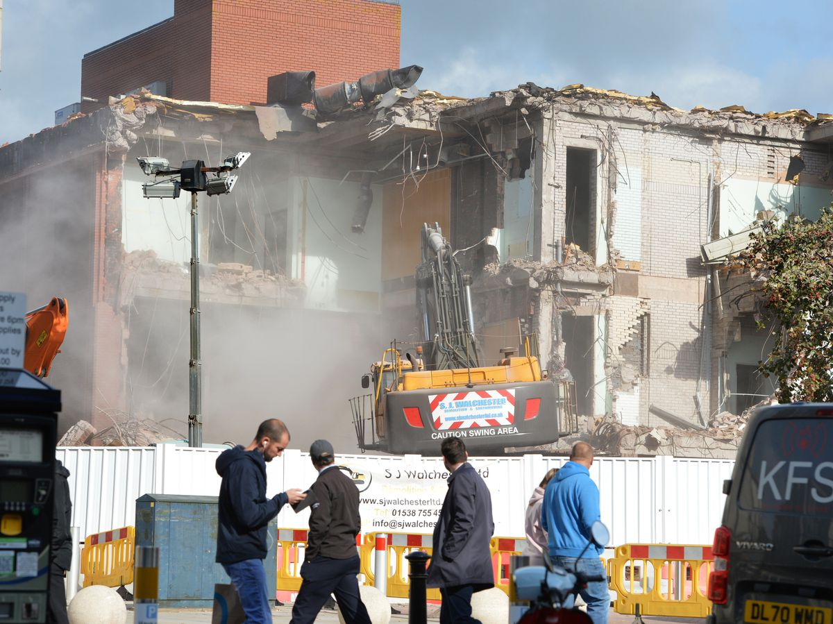 Work is under way to tear down Stafford's former magistrates' court to make way for a temporary county council car park