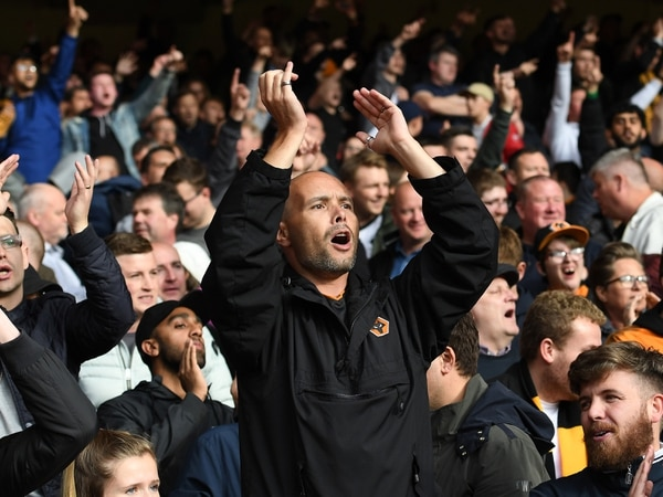 Big crowd hopes to roar Wolves to top