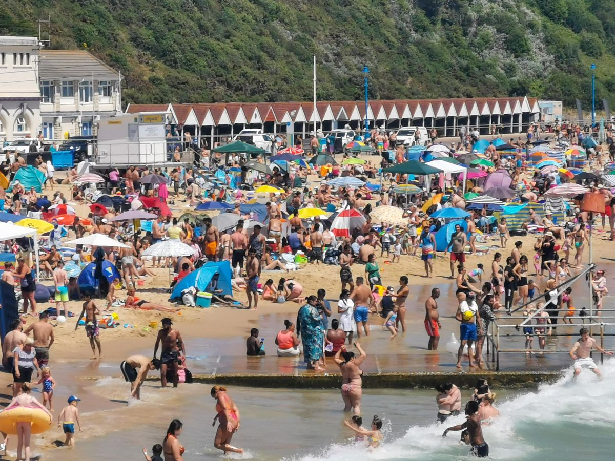 Crowds on Bournemouth beach on Thursday. Photo: SnapperSK