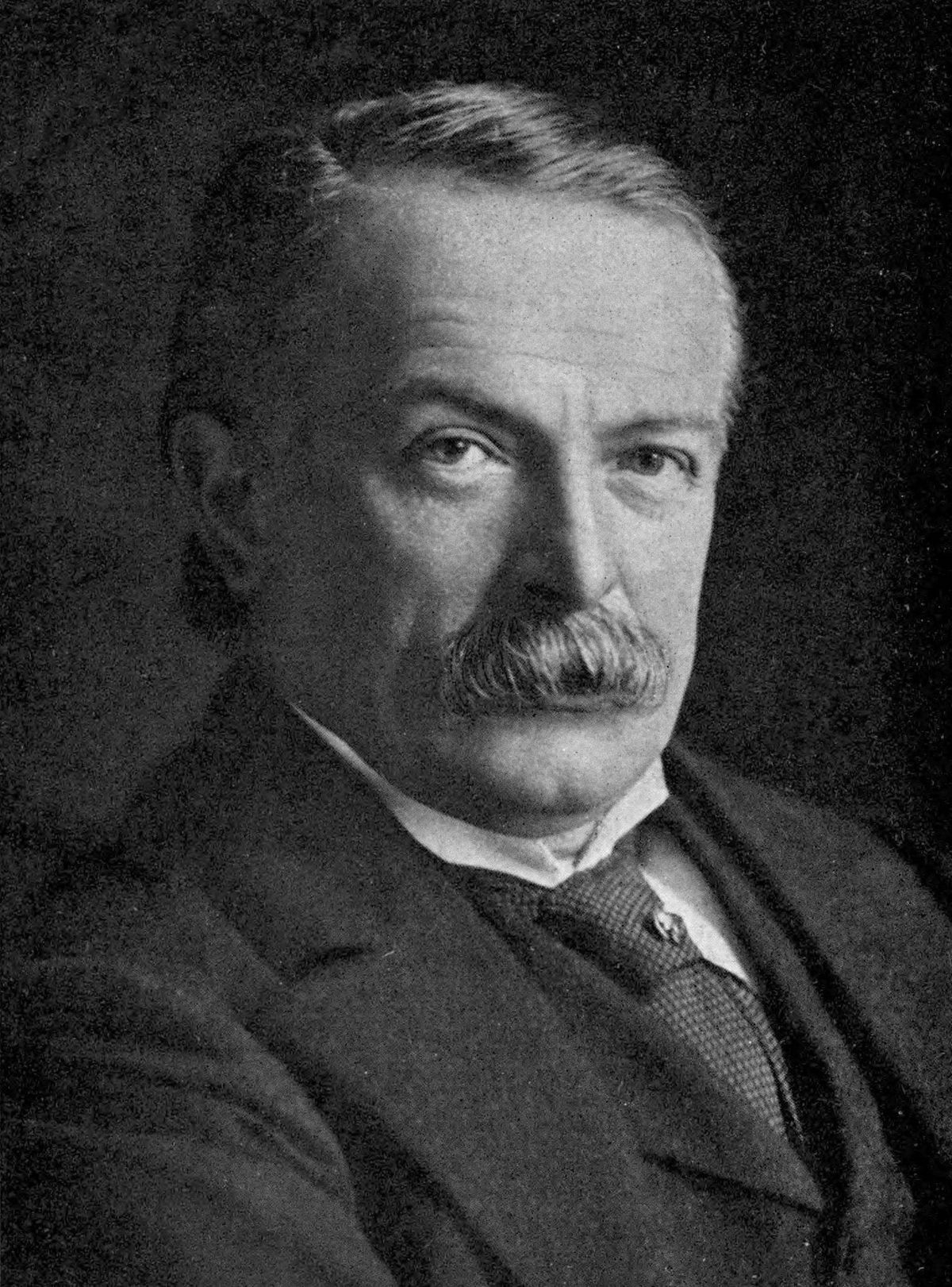 Prime Minister David Lloyd George contracted the disease but survived