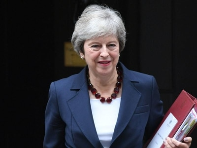 May faces Cabinet showdown as Brexiteers condemn deal with Brussels