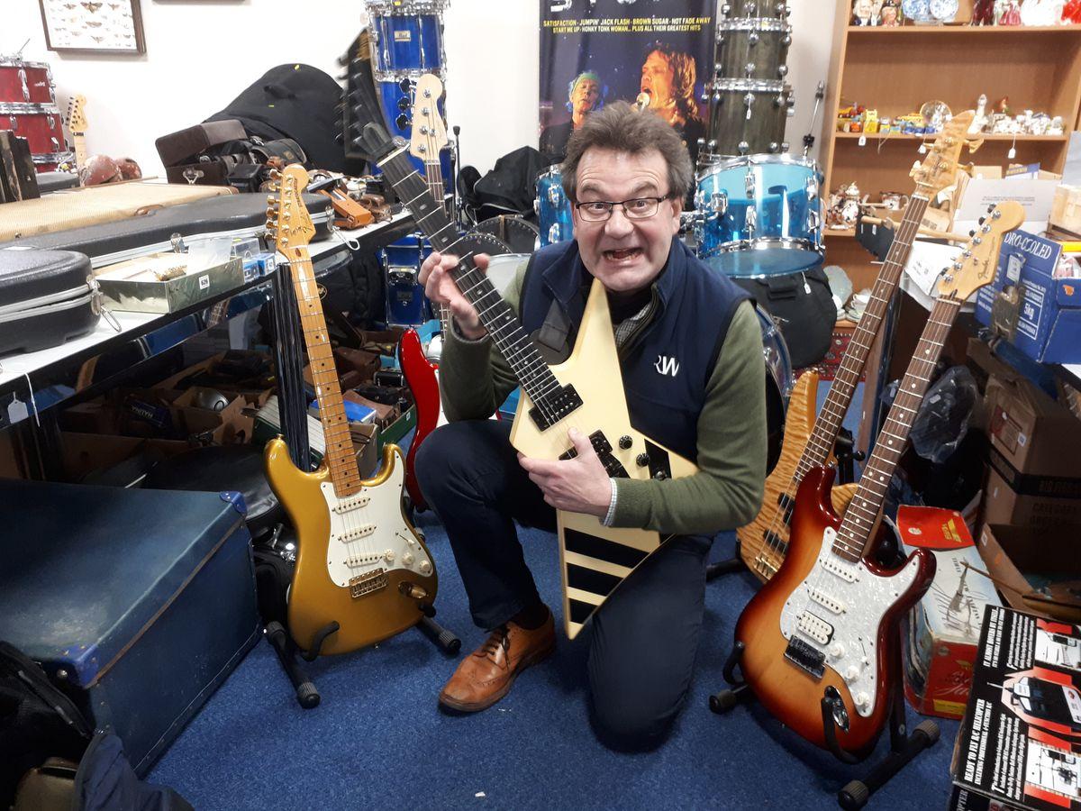 Richard Winterton rocking out on a Gibson Custom Shop XPL Explorer
