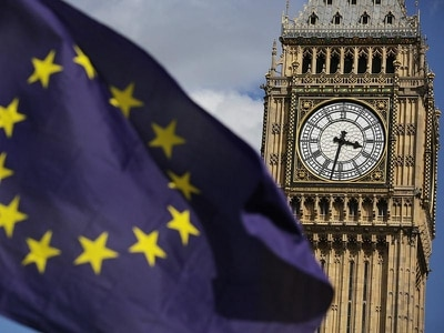 No-deal Brexit would cause clock conundrum for Belfast, peers warn