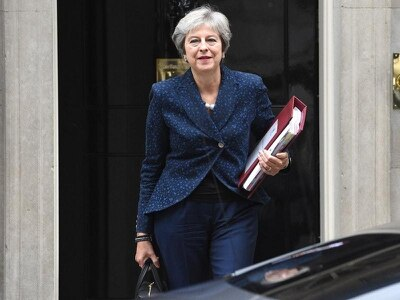 Theresa May to meet Cabinet as she fights to save her Brexit plan