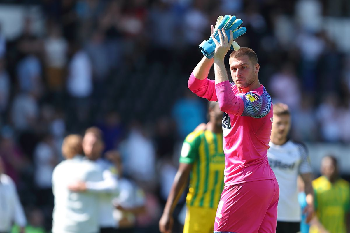 Sam Johnstone claps the travelling fans who sang his name. (AMA)