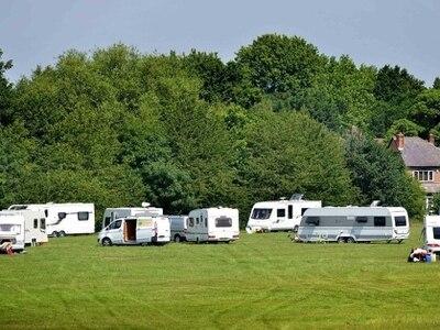 Travellers move onto Darlaston field