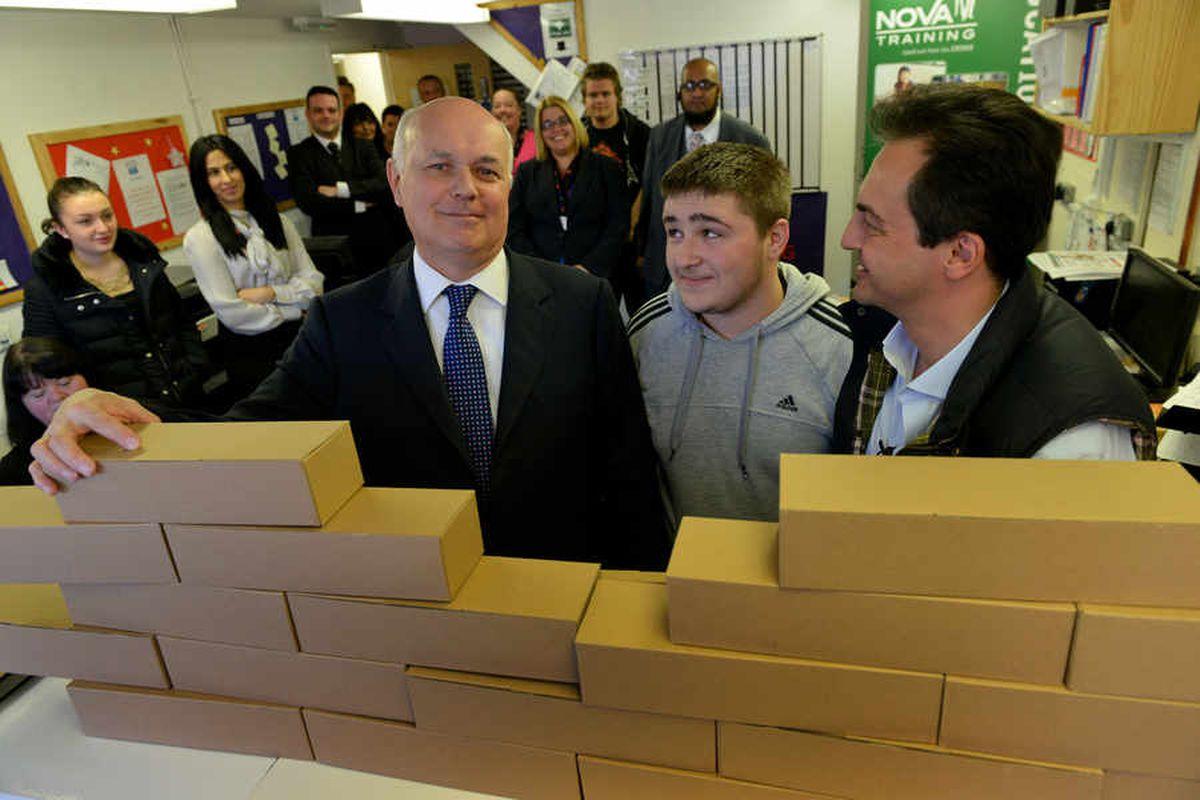 Welfare reform has improved lives claims Iain Duncan Smith