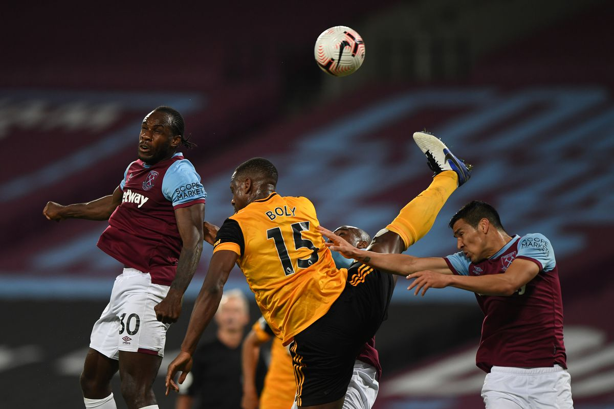 Willy Boly of Wolverhampton Wanderers and Michail Antonio of West Ham United. (AMA)
