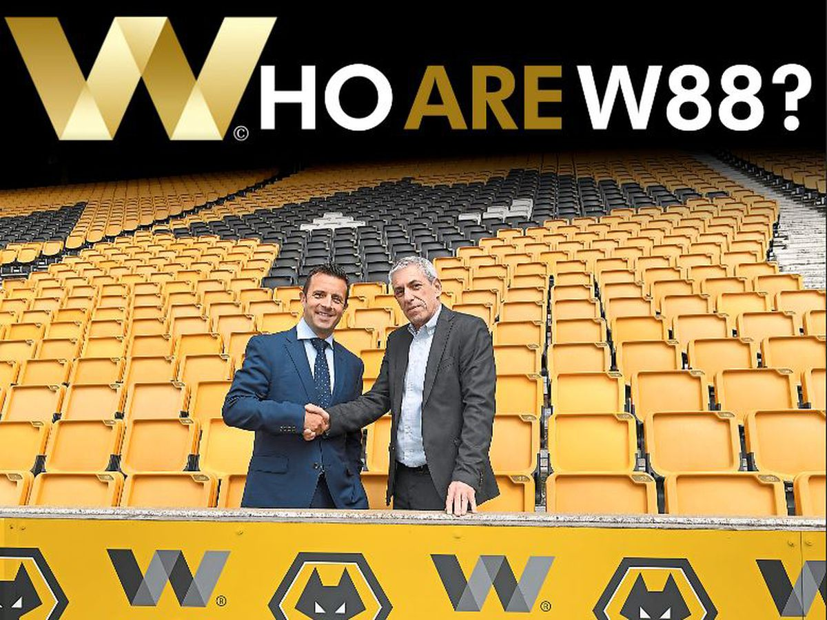 Wolves managing director Laurie Dalrymple, left, and W88 business development manager Hilly Ehrlich